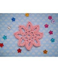 Вязанная хризантема розовая