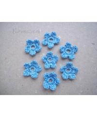Вязанные цветочки  голубые