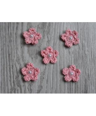 Вязанные цветочки розовые