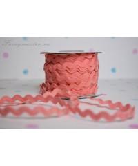Зиг-заг розового цвета