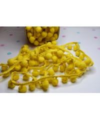 Лента с помпонами жёлтая